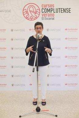 La ministra de Asuntos Exteriores y Cooperación, Arancha González Laya, interviene durante la tercera jornada de la XXXIII Edición de los Cursos de Verano en San Lorenzo de El Escorial, Madrid (España), a 22 de julio de 2020.