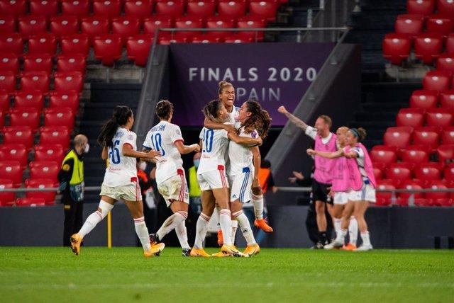 Fútbol.- (Previa) Wolfsburgo y Lyon aspiran a la Champions española