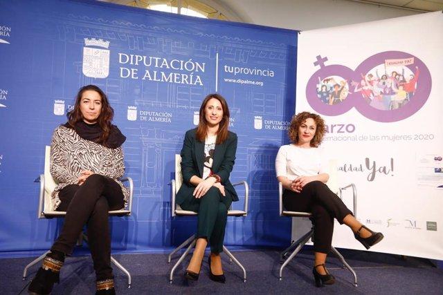 Diputación fomenta la promoción laboral de las mujeres almerienses con un plan de formación