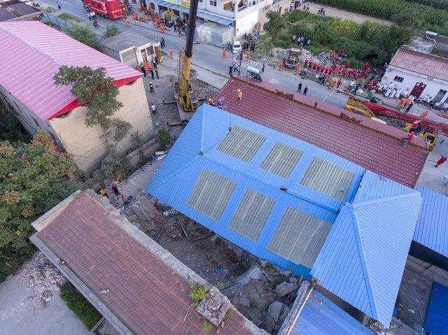 China.- Al menos 17 muertos al derrumbarse un restaurante en el norte de China