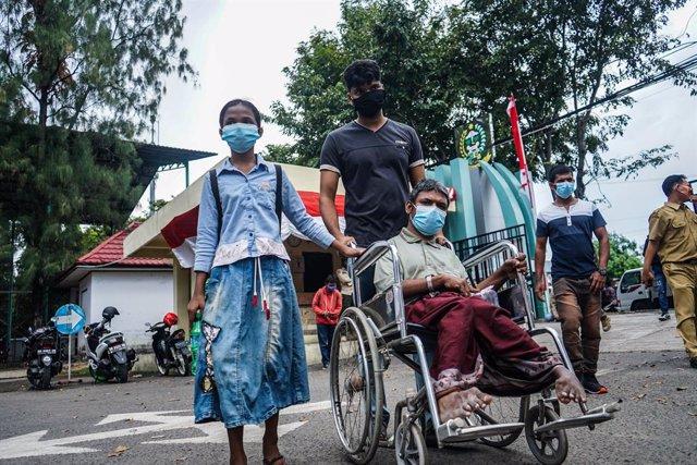 Bangladesh.- Bangladesh restablece el servicio telefónico y de internet a los re
