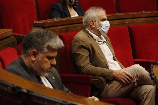 El líder de Cs en el Parlament, Carlos Carrizosa, i el president de JxCat en el Parlament, Albert Batet