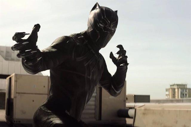 Black Panter (Chadwick Boseman) en Capitán América: Civil War.