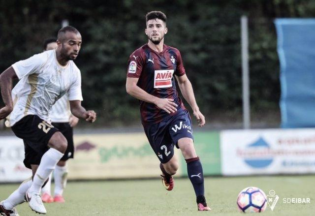 Fútbol.- Jordi Calavera rescinde su contrato con el Eibar