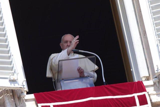 El Papa lamenta el desastre ambiental de la isla de Mauricio provocado por el ve