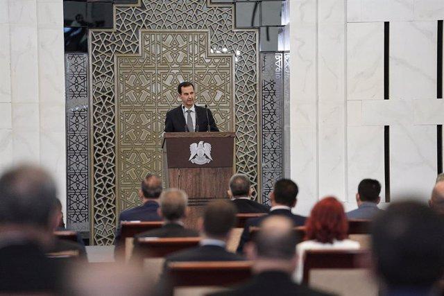 Siria.- Al Assad formaliza un nuevo gobierno en Siria sin cambios entre los prin