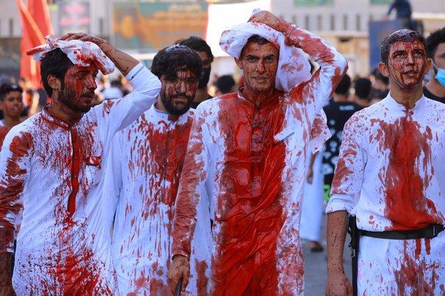 Irak.- Cientos de miles de iraquíes conmemoran la fiesta de la Ashura a pesar de