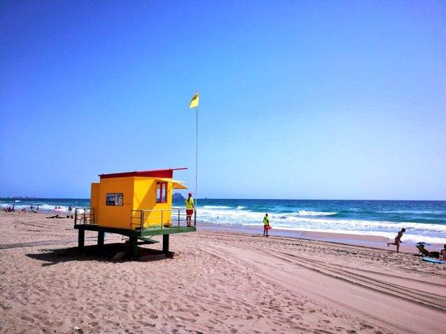 La bandera amarilla ondea en 17 playas de Águilas, Cartagena, Lorca, Mazarrón, San Javier y San Pedro del Pinatar
