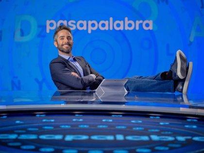 Roberto Leal da positivo en coronavirus y será sustituido por Manel Fuentes en 'Pasapalabra'