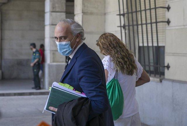 El abogado de la familia de Sandra Capitán a la salida de la Audiencia provincial