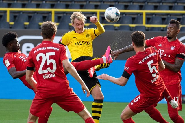 Fútbol.- La Copa de Alemania podría disputarse con público en las gradas