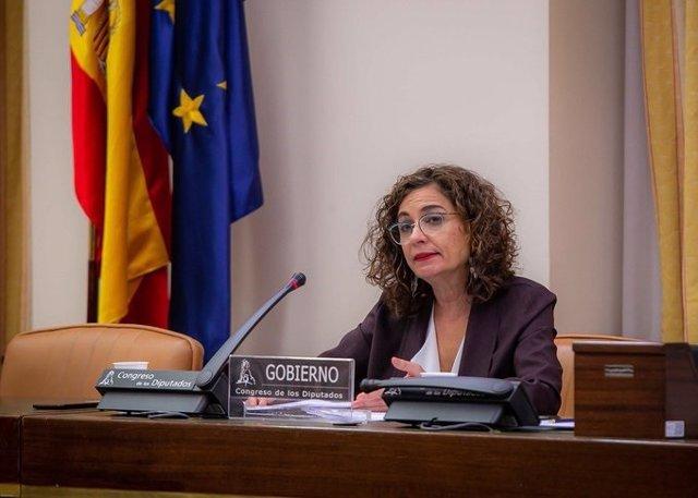 La ministra d'Hisenda, María Jesús Montero, compareix al Congrés en una imatge en arxiu