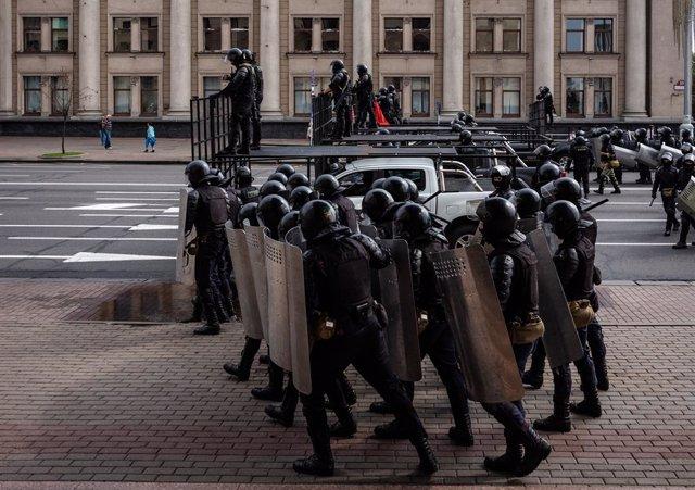 Bielorrusia.- Al menos 173 detenidos durante las manifestaciones del domingo en