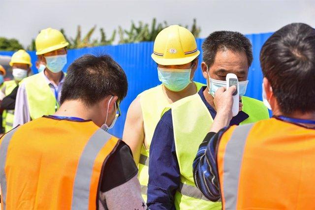 Coronavirus.- China suma diez nuevos casos importados de coronavirus y suben has