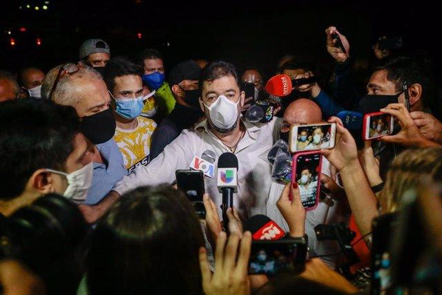 Roberto Marrero, jefe de gabinete de Nicolás Maduro, tras ser liberado en la sede del SEBIN en virtud de un indulto del presidente, Nicolás Maduro