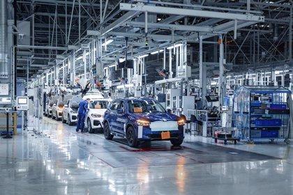 UE.- El sector manufacturero de la zona euro muestra una recuperación a dos velocidades, según PMI