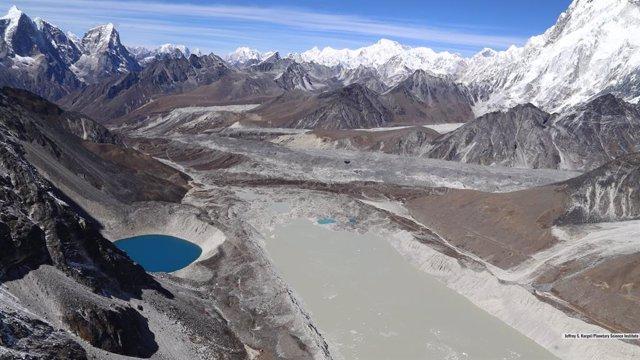 Los lagos glaciares crecen un 50 por ciento desde 1990 por el deshielo