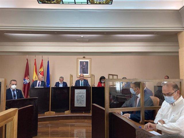 Momento del Pleno Extraordinario de la Diputación de Segovia.