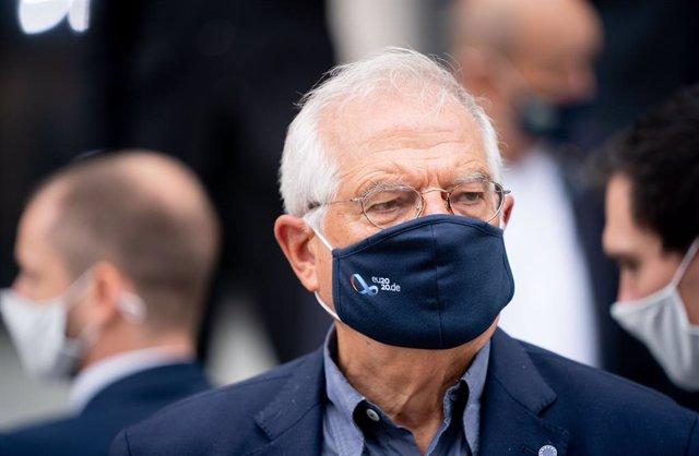 Libia.- Borrell traslada a Serraj el respaldo de la UE a una salida política al