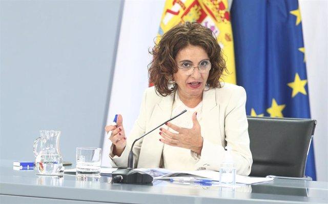 La ministra portavoz y de Hacienda, María Jesús Montero, ofrece una rueda de prensa posterior al Consejo de Ministros en Moncloa, en Madrid (España), a 1 de septiembre de 2020.