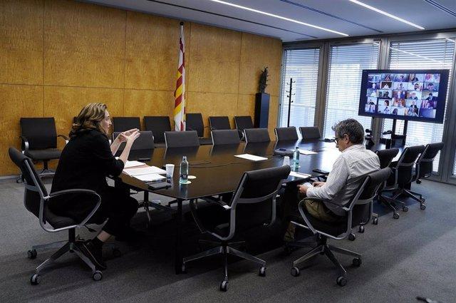 L'alcaldessa de Barcelona, Ada Colau, i el regidor de Pressupostos, Jordi Martí, es reuneixen telemàticament amb 30 ajuntaments d'Espanya