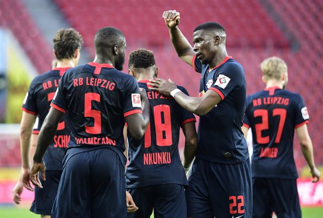 Fútbol.- El Leipzig podrá iniciar la Bundesliga ante 8.400 aficionados