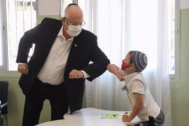 Coronavirus.- Israel registra un récord de contagios de coronavirus coincidiendo