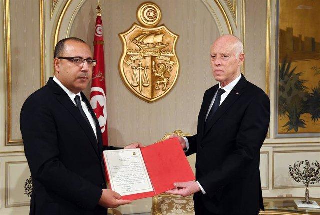 El primer ministro de Túnez, Hichem Mechichi, y el presidente, Kais Saied.
