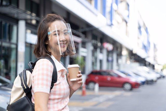 Protector facial de plástico contra la Covid-19