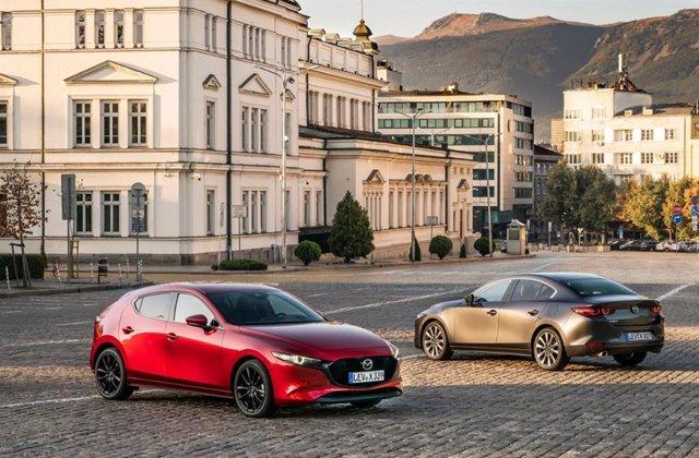 Los actuales Mazda 3.