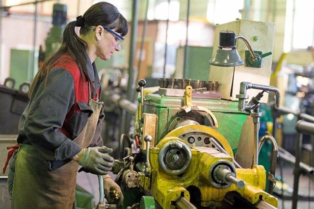 UE.- Los precios industriales de la eurozona repuntan un 0,6% en julio y crecen