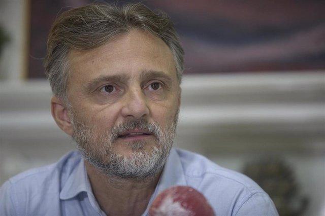 El portavoz del Grupo Parlamentario Socialista, José Fiscal, durante la entrevista concedida a Europa Press. En Sevilla (Andalucía, España), a 18 de agosto de 2020. (Foto de archivo).