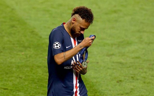 Fútbol.- Neymar, uno de los tres positivos de coronavirus en el PSG