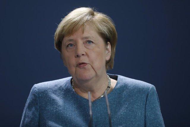 """Rusia.- Merkel pide """"respuestas"""" a Rusia por el caso de Navalni, """"víctima de un"""