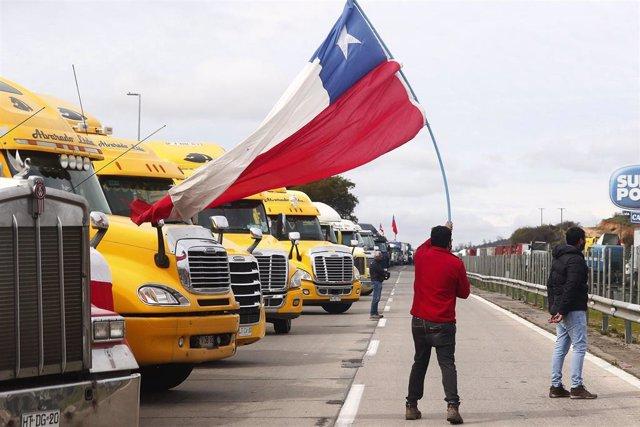 Cortes de carreteras durante la huelga de camioneros en Chile