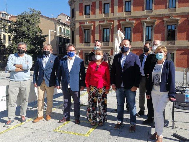 Representantes del sector de la hostelería y las discotecas de Navarra