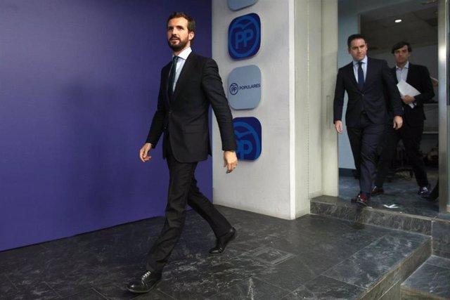 El presidente del PP, Pablo Casado, seguido por el secretario general, Teodoro García Egea y el vicesecretario de Comunicación, Pablo Montesinos