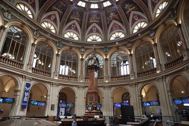 Interior del Palacio de la Bolsa de Madrid (España)