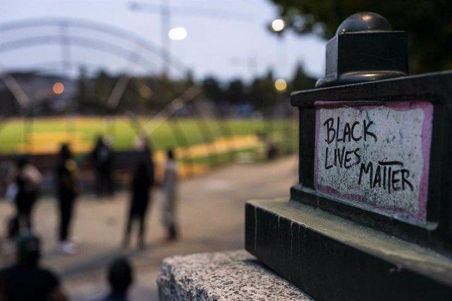 EEUU.- Las imágenes de un presunto abuso policial en Nueva York derivan en la su