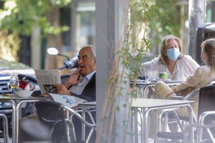 Madrid limita reuniones a 10 personas, reduce aforo en iglesias y hostelería y prepara hoteles medicalizados