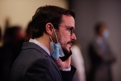 Garzón cree que hay que mantener la participación pública en Bankia para recuperar el dinero del rescate