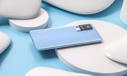 Vivo desarrolla un teléfono con una tecnología de cristal que cambia de color