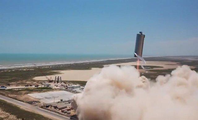 VÍDEO Espectacular prueba de vuelo del cohete interplanetario de Space X