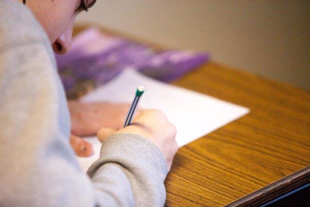 Los estudiantes descubren cómo engañar con palabras clave a los algoritmos que c