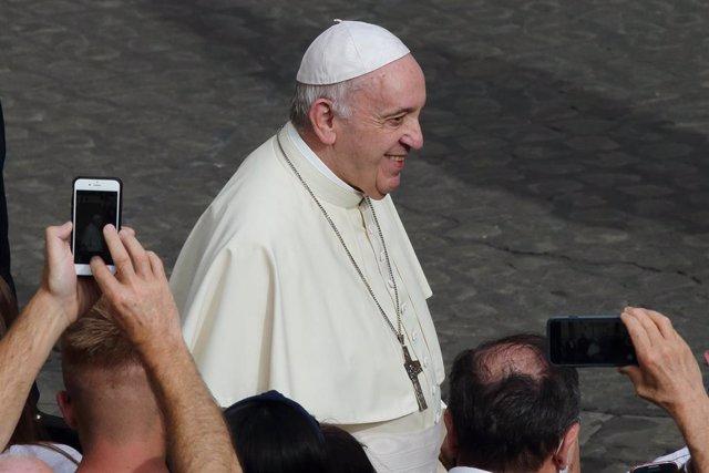 """El Papa avisa de que para superar la pandemia no bastan """"la ciencia y la técnica"""