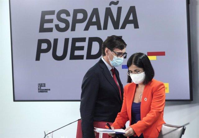 La ministra de Política Territorial i Funció Pública, Carolina Darias, i el ministre de Sanitat, Salvador Illa