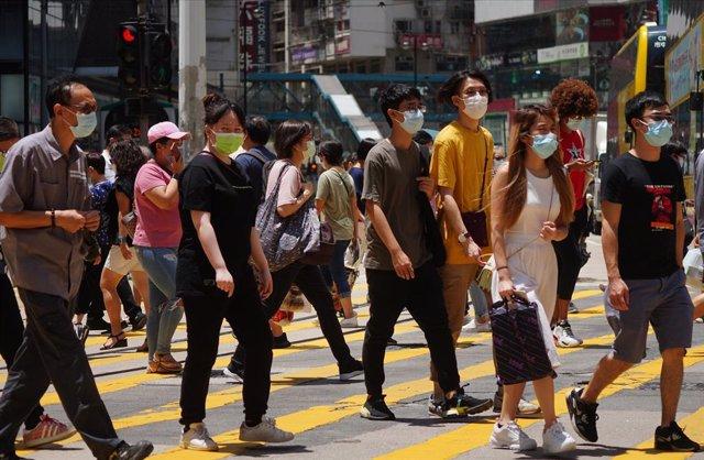 Coronavirus.- China reduce su número de casos importados de coronavirus con 10 e