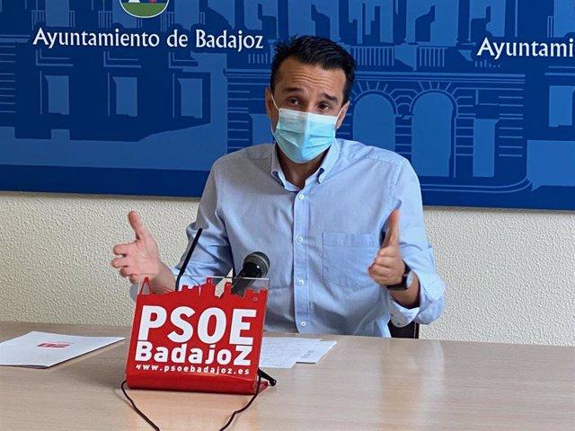 El portavoz socialista de Badajoz, Ricardo Cabezas, en una imagen de archivo.