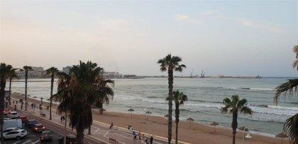 Hallan en una playa el cadáver de un migrante ahogado cuando intentaba llegar a Melilla