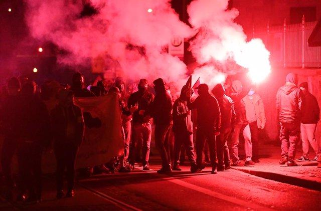Alemania.- Continúa la violencia en una tercera noche de protestas en Leipzig tr